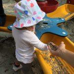 子どもと外へ!シンガポールで砂場を発見。外遊びのメリットとは?